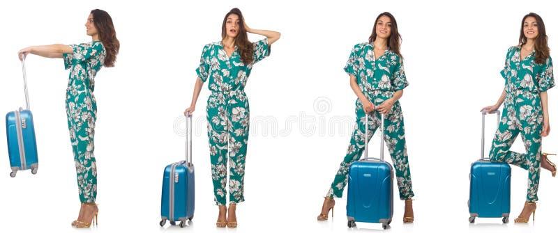 La mujer con los suitacases que se preparan para las vacaciones de verano imagen de archivo libre de regalías