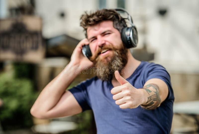 La musica si batte per l'umore energetico Ritmo per la passeggiata Musica d'ascolto di musica della lista musicale radiofonica de fotografia stock