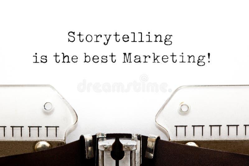 La narración es el mejor márketing en la máquina de escribir imágenes de archivo libres de regalías