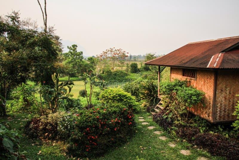 La natura stupefacente intorno al vieng del vang, provincia di Vientiane, Laos fotografie stock libere da diritti