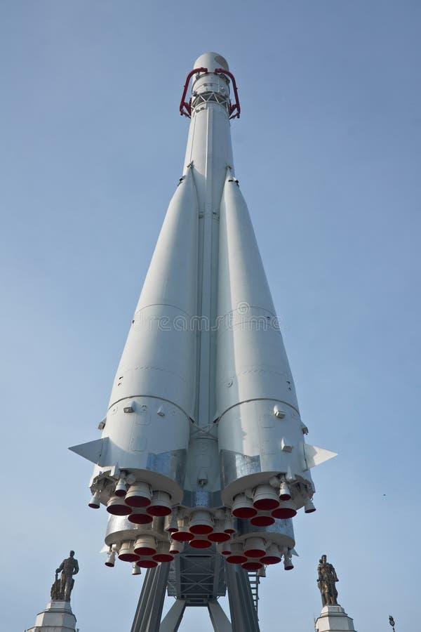 La nave espacial rusa Vostok está en centro de exposición nacional principal en Moscú imagenes de archivo