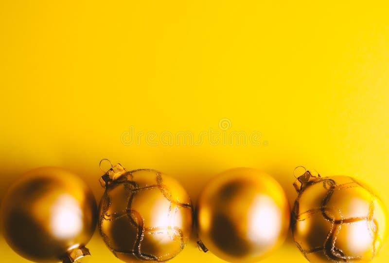 La Navidad adorna los antecedentes imagen de archivo libre de regalías