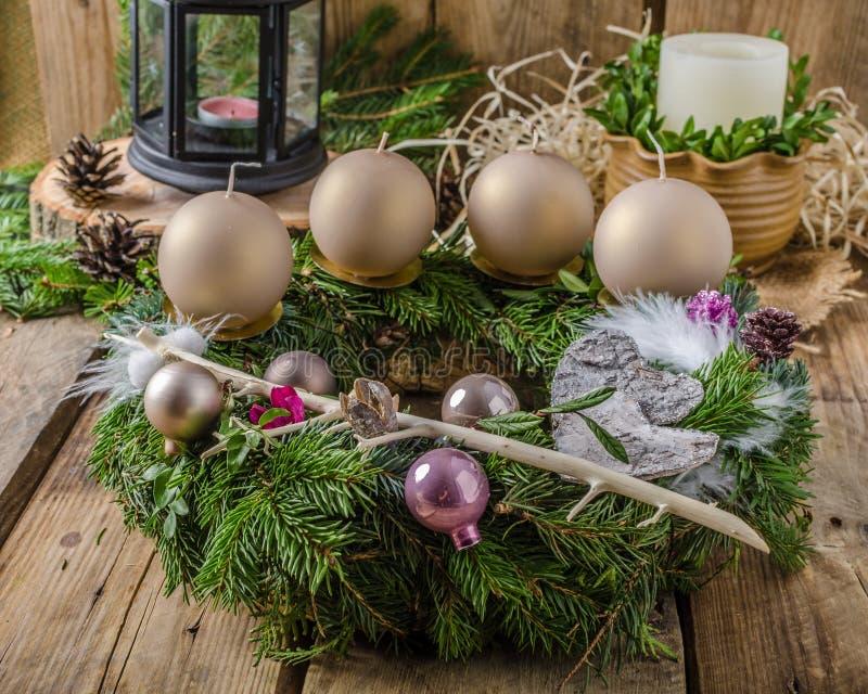 La Navidad Advent Wreath imagen de archivo libre de regalías