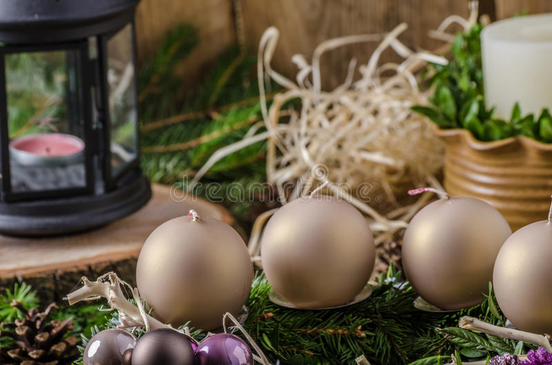La Navidad Advent Wreath fotografía de archivo libre de regalías