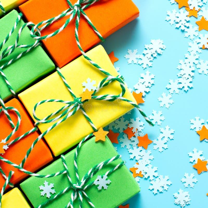 La Navidad coloreada del símbolo de los regalos imágenes de archivo libres de regalías