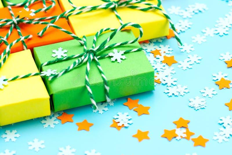 La Navidad coloreada del símbolo de los regalos fotografía de archivo libre de regalías