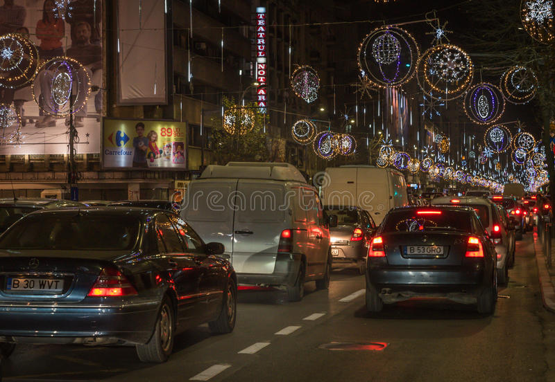 La Navidad de Bucarest que enciende 2016 imágenes de archivo libres de regalías