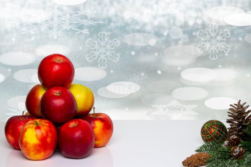La Navidad Decoración del invierno de la Navidad de la sobremesa detrás imagenes de archivo