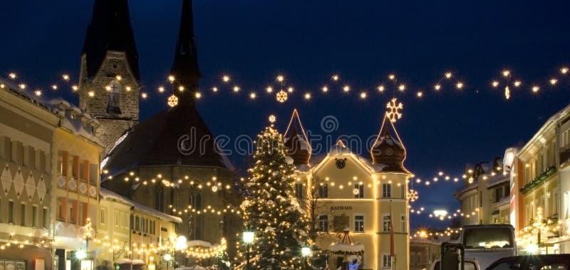La Navidad en aldea fotografía de archivo libre de regalías