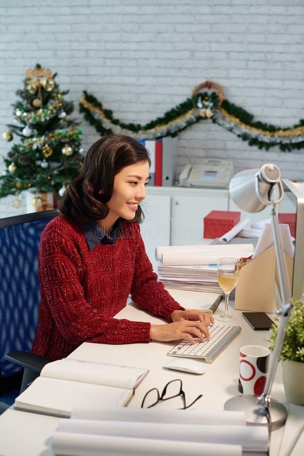 La Navidad en el lugar de trabajo fotos de archivo libres de regalías