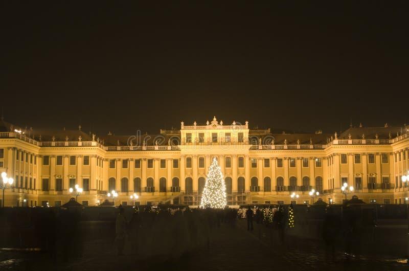 La Navidad en shonbrunn del palacio de Viena fotos de archivo