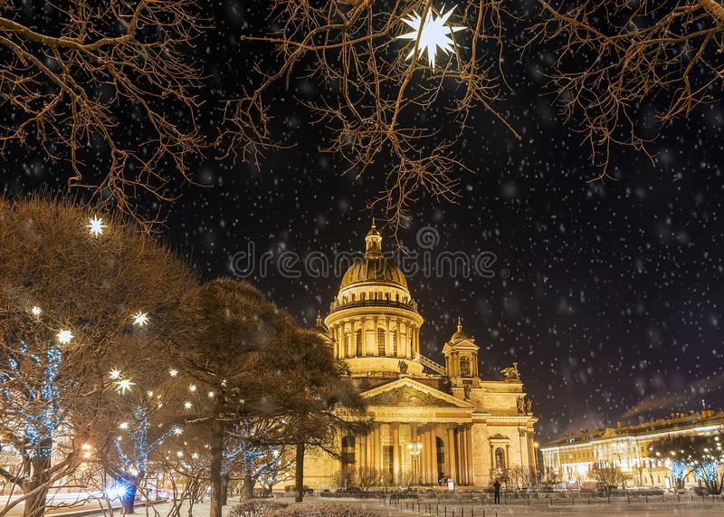 La Navidad en St Petersburg E foto de archivo