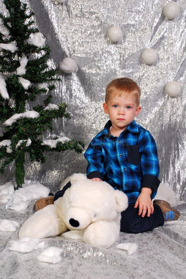 La Navidad linda del niño del muchacho imagenes de archivo