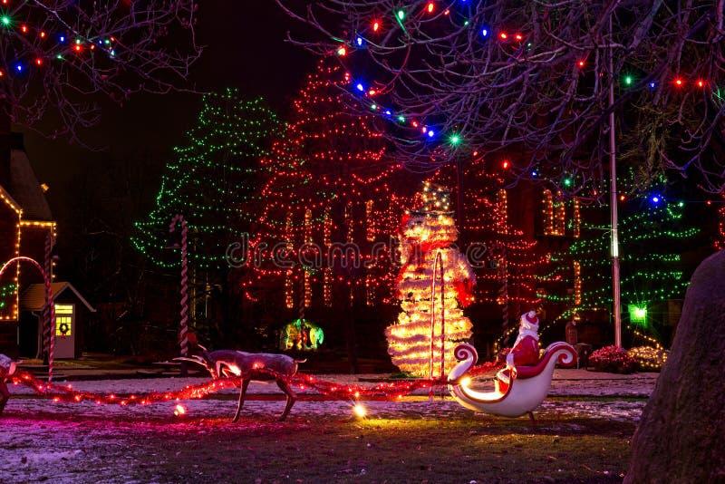 La Navidad Papá Noel, muñeco de nieve, escena de la natividad fotos de archivo