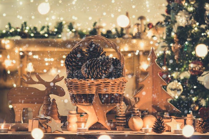La Navidad que fija los juguetes de madera foto de archivo