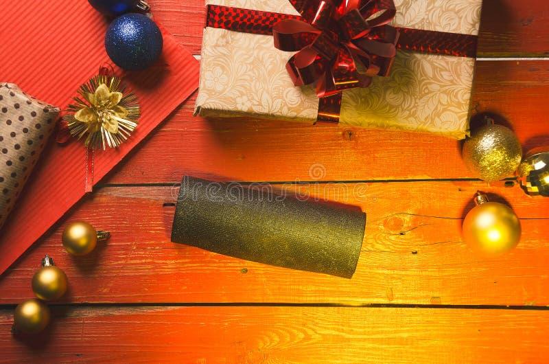 La Navidad y días de fiesta presentes imagen de archivo libre de regalías