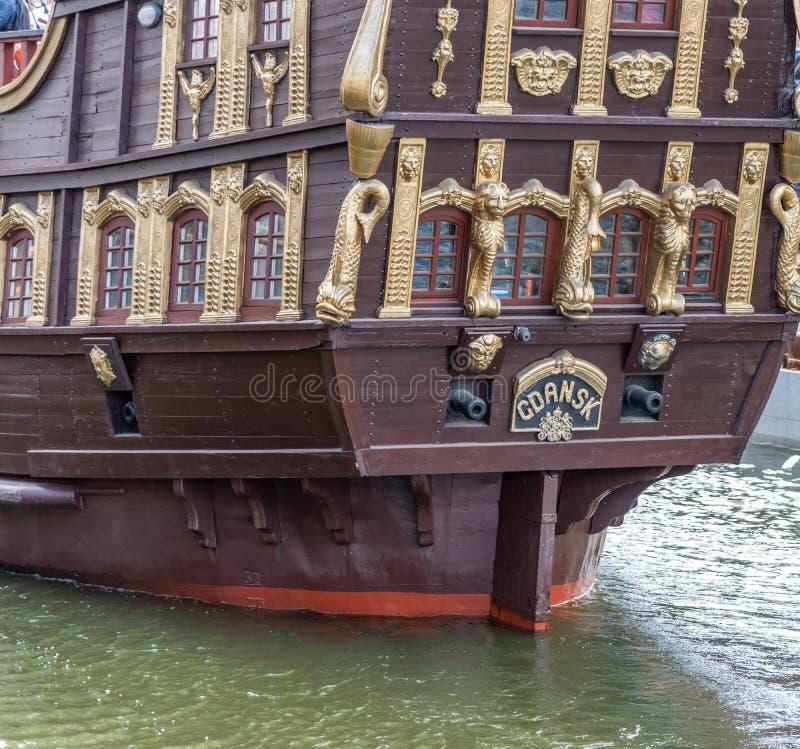 La navigation de Galeon embarquent la navigation de Lew ? sa couchette sur la rivi?re Danzig, Pologne de Motlawa photographie stock libre de droits