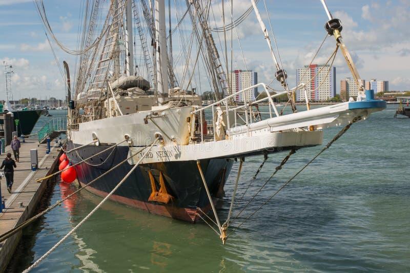 La navigation embarquent Lord Nelson à Portsmouth, Angleterre photo libre de droits