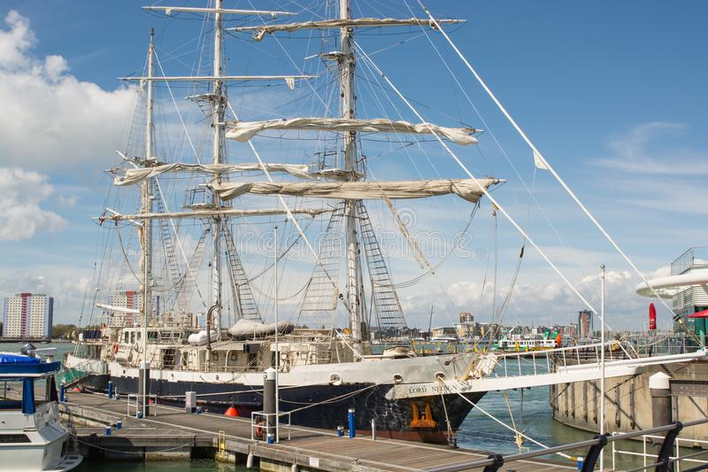 La navigation embarquent Lord Nelson à Portsmouth, Angleterre photos stock