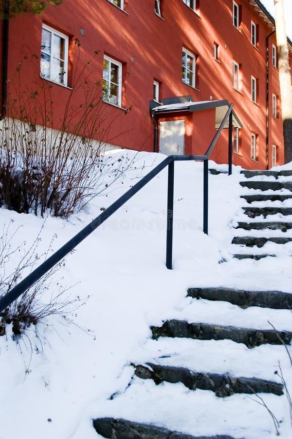 La neige a couvert des escaliers images stock