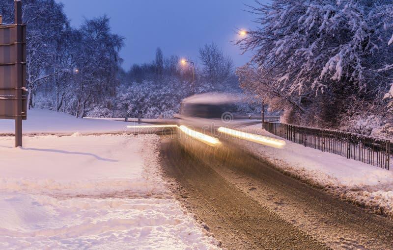 La neige a couvert des rues du Royaume-Uni photos libres de droits