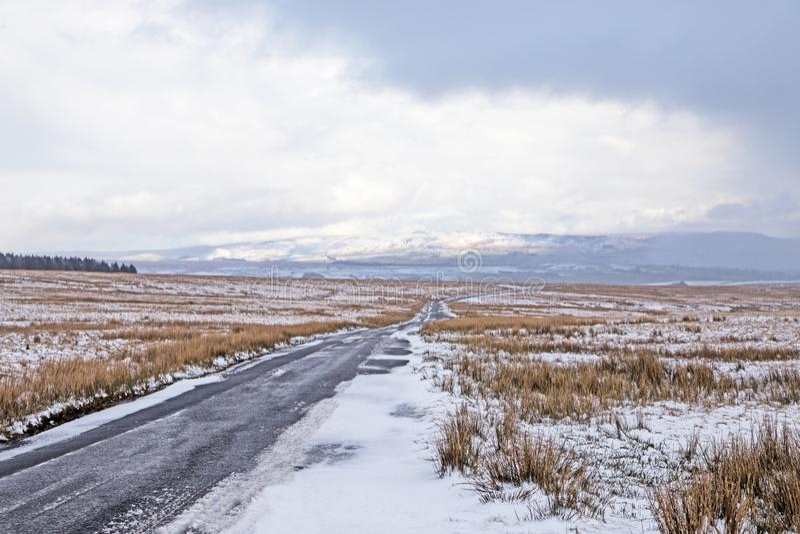 La neve si rannuvola attracca fotografia stock