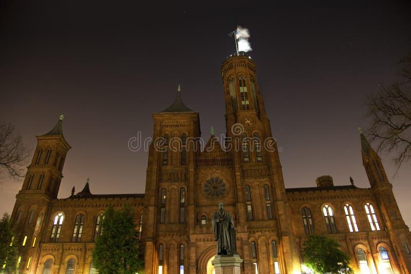 La noche del castillo de Smithsonian Stars Washington DC imagenes de archivo