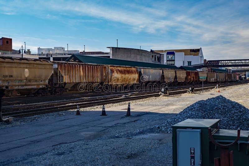 La Norfolk & automobili del sud di Contaner in un'iarda della ferrovia fotografie stock libere da diritti
