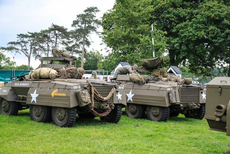 La Normandia, il 4 giugno 2014: i veicoli militari guadano M8 che presente alle celebrazioni per il settantesimo anniversario del fotografia stock