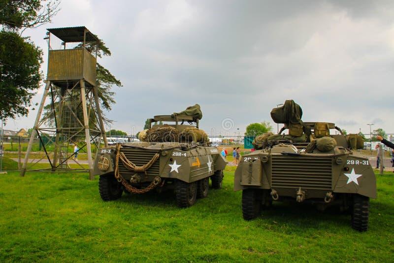 La Normandia, il 4 giugno 2014: i veicoli militari guadano M8 che presente alle celebrazioni per il settantesimo anniversario del immagini stock libere da diritti