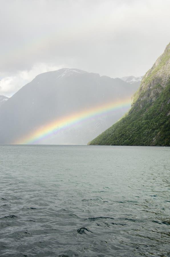 La Norvegia - da qualche parte sopra l'arcobaleno immagini stock