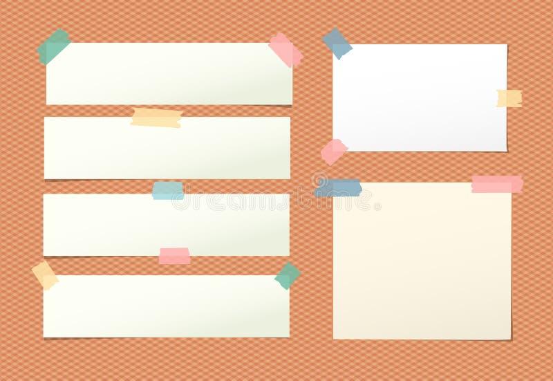 La nota en blanco ligera, cuaderno, hoja del cuaderno se pegó con la cinta pegajosa colorida en fondo anaranjado ajustado stock de ilustración