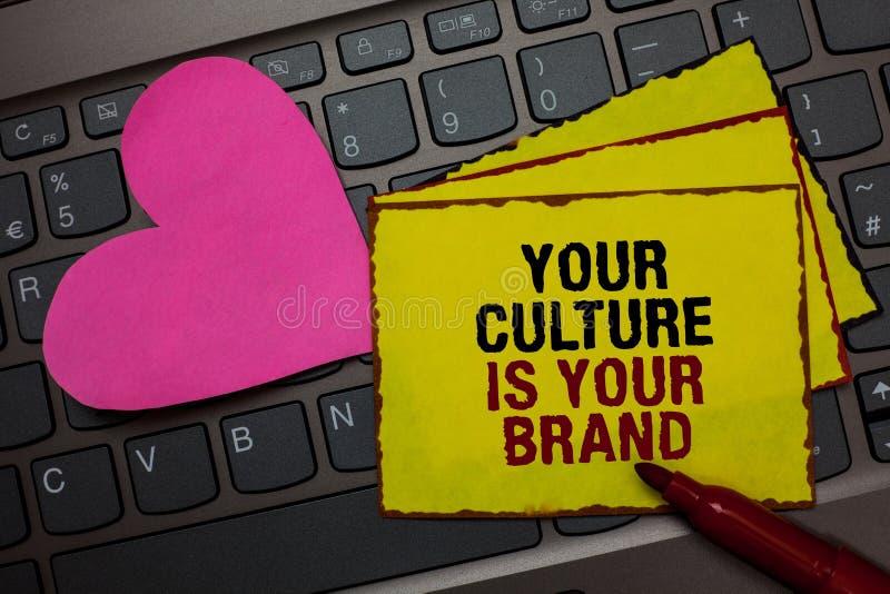 La note d'écriture montrant votre culture est votre marque Les expériences de présentation de la connaissance de photo d'affaires photographie stock