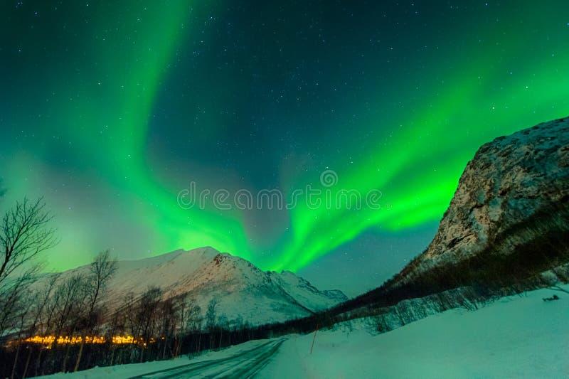 La notte più bella dell'aurora borealis immagine stock libera da diritti