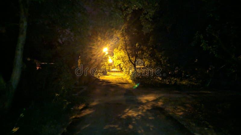 la notte sulla via fotografia stock libera da diritti