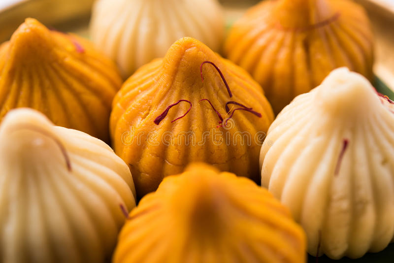 La nourriture douce indienne a appelé le modak préparé spécifiquement dans le festival de ganesh ou le chaturthi de ganesh photos stock