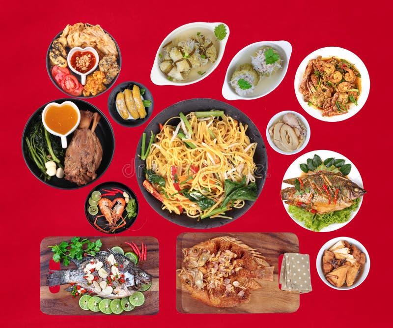 La nourriture est sacrée par nouvelle année chinoise, telle que des poissons, porc, shri photographie stock