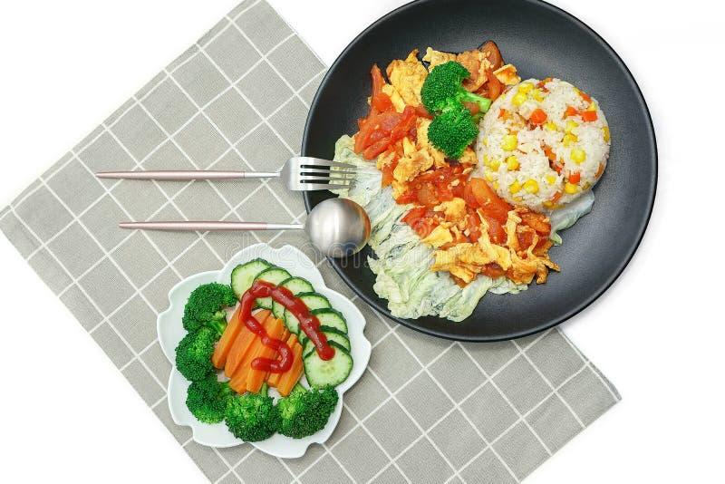 La nourriture-tomate chinoise nutritive délicieuse a brouillé des oeufs photo libre de droits