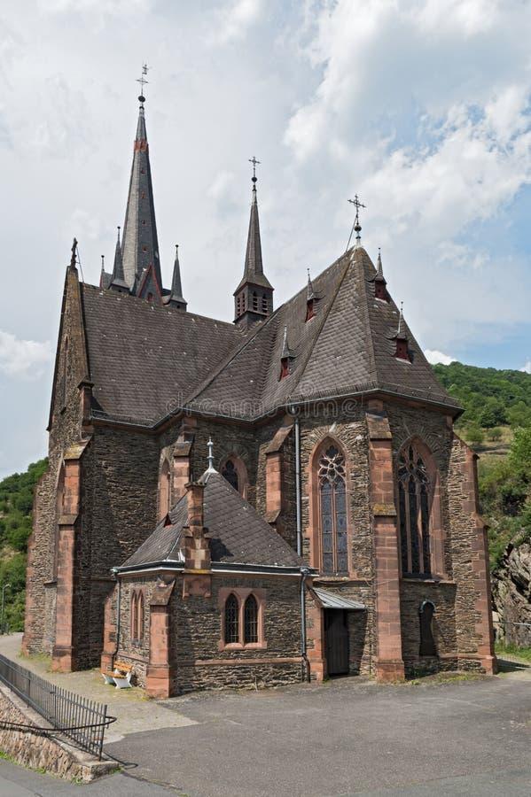 La nouvelle église paroissiale gothique dans St Bonifatius, Allemagne de Lorch-Lorchhausen photos stock