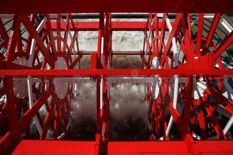 La Nouvelle-Orléans - roue à aubes rouge dans le mouvement image stock