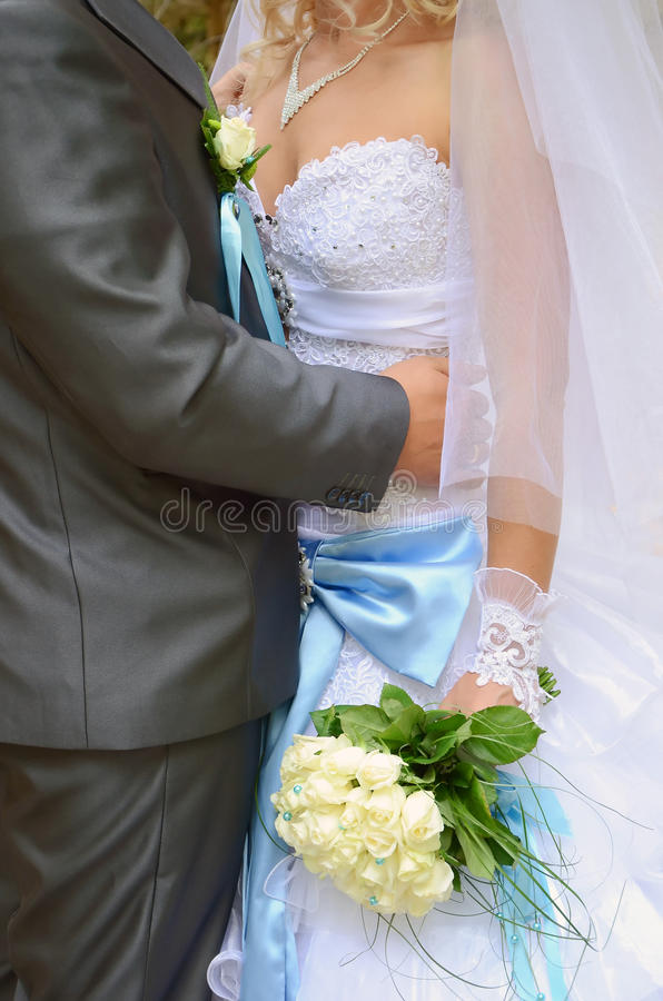 La novia es ramo del novio y de la boda fotos de archivo libres de regalías