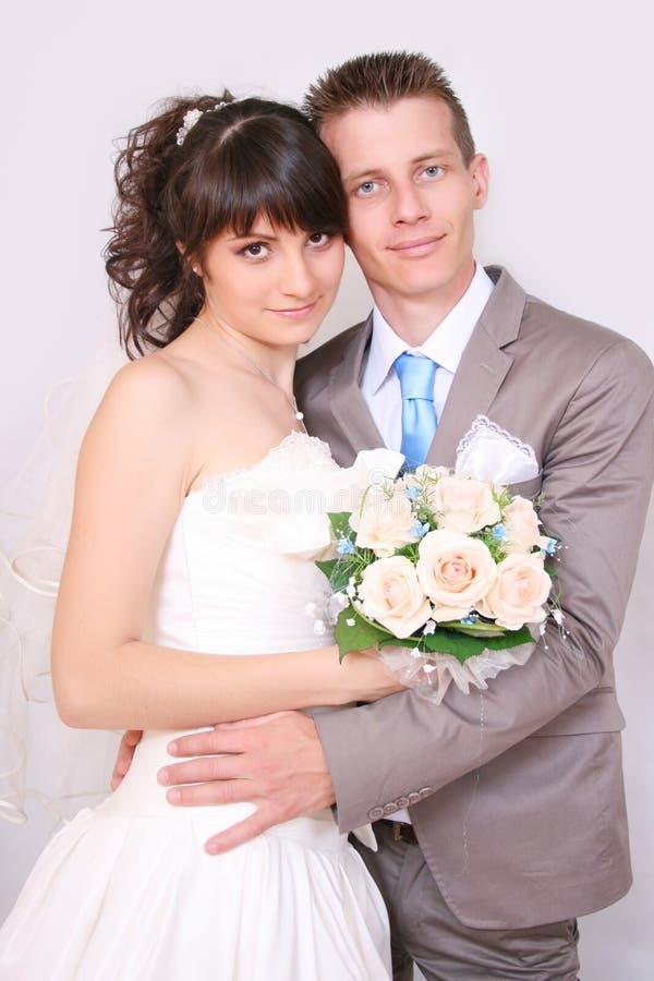 La novia y el novio fotos de archivo