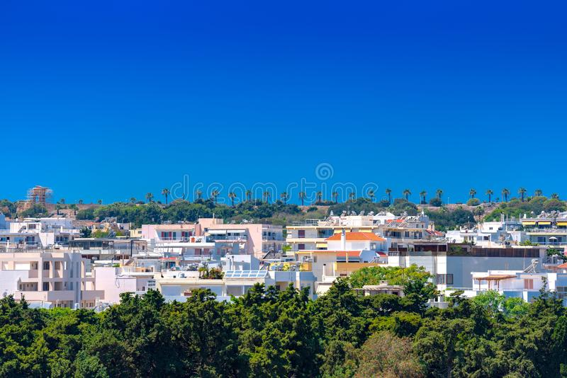 La nueva ciudad de Rodas desarrolló alto en Monte Smith y cerca de la acrópolis De la calle de Isiodou, marcada por alto fotografía de archivo libre de regalías