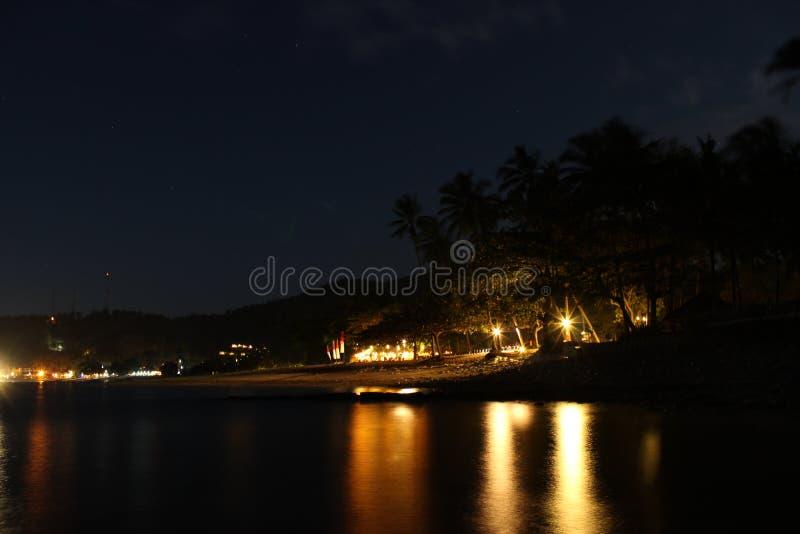 La nuit à la plage de Senggigi photographie stock