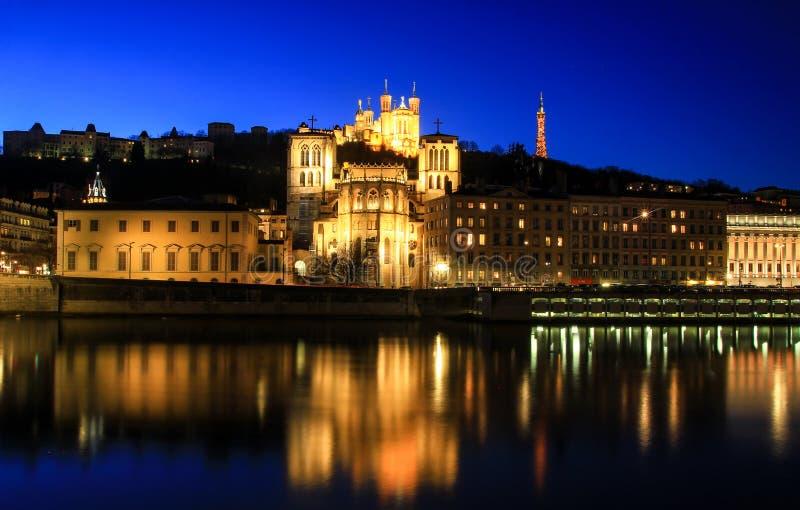 La nuit a tiré à la vieille ville de Lyon, France photographie stock libre de droits
