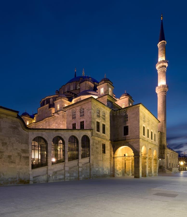 La nuit a tiré de Fatih Mosque, Istanbul, Turquie photos stock