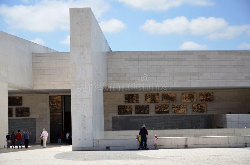 La nuova basilica di Fatima fotografia stock libera da diritti