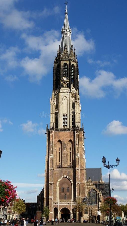 La nuova chiesa (Nieuwe Kerk) - quadrato del mercato di Delft Altezza 108 75m - Netherland fotografia stock libera da diritti