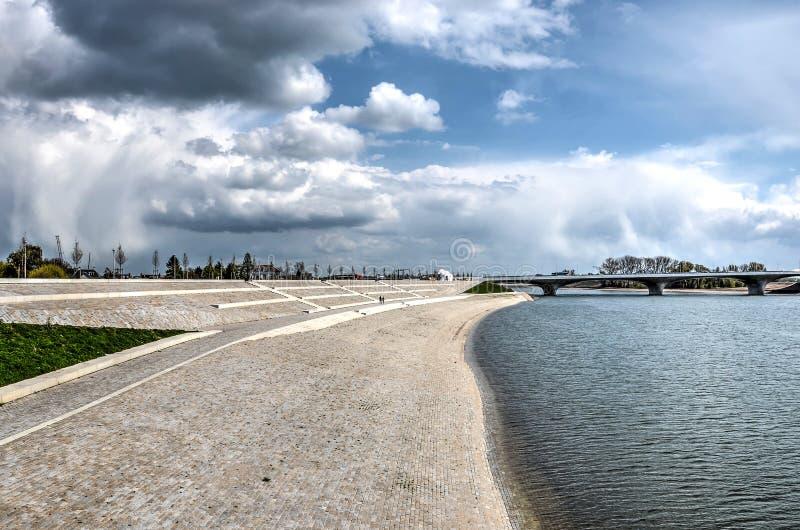 La nuova sponda del fiume Lent immagine stock