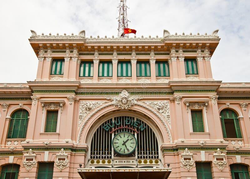 La oficina de correos central de Saigon (1891). Ciudad de Ho Chi Minh, Vietnam imagenes de archivo
